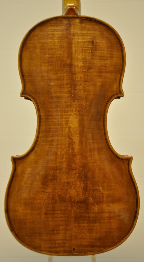 violine-fuessen-boden