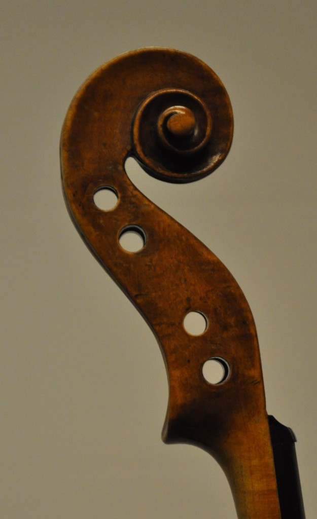 violine-fuessen-schnecke-bass
