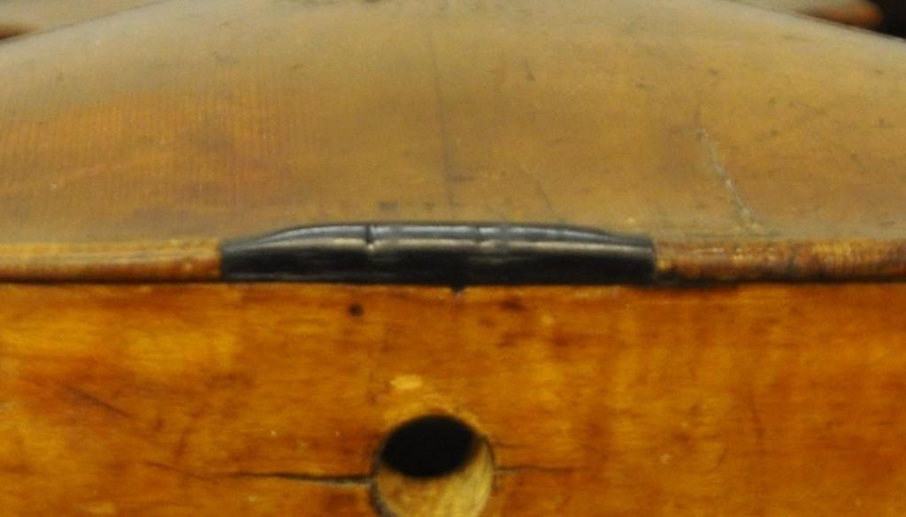 violine-fuessen-untersattel