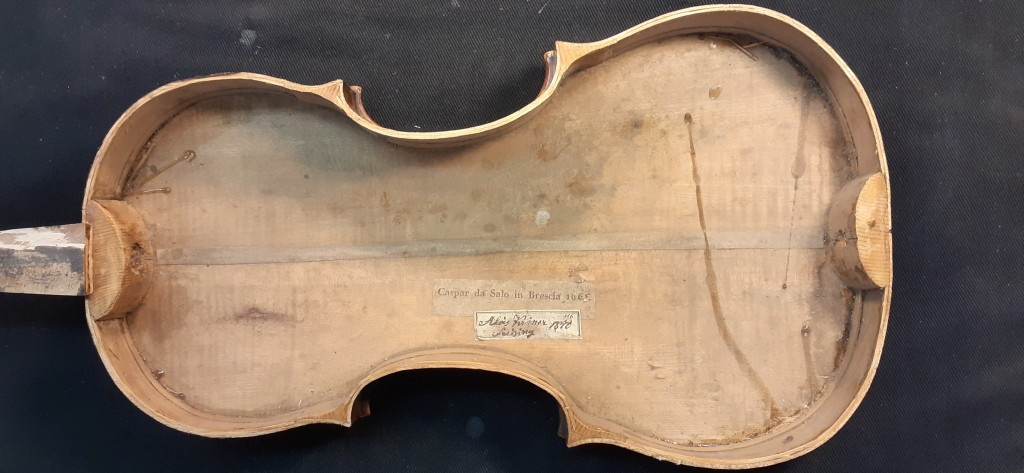 violine-thumhardt-boden-innen