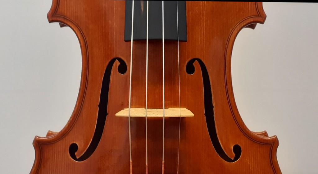 violine-maggini-klein-f-loecher
